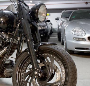 123 Pfand Motorrad in der Garage